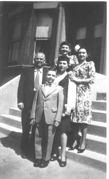 David Lapidus and his children, about 1945